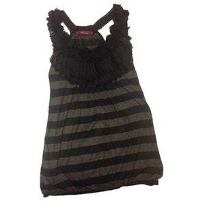 Tops - Black & Grey Sleeveless Top